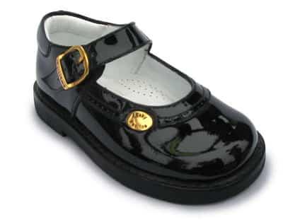 Fotografia de un zapato de charol
