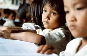 Niño en la pobreza