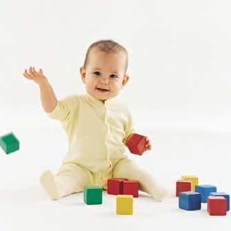 El bebé de nueve meses
