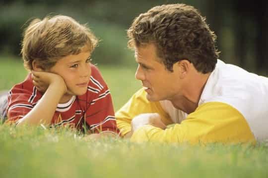 ninos-hablando-con-padres.jpg