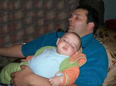 papa-bebe-durmiendo