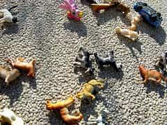 juguetes tirados