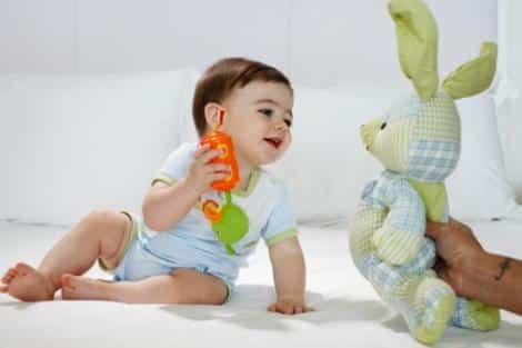 bebe jugueton