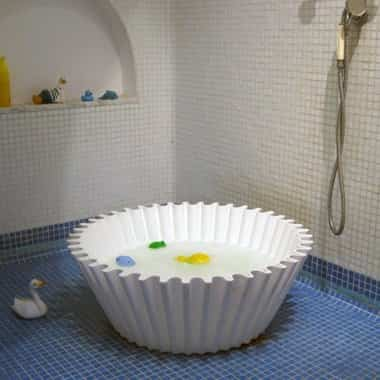 sweetcakewhitebabybathbathroom p5
