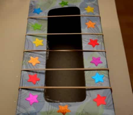 Como hacer una guitarra con una caja