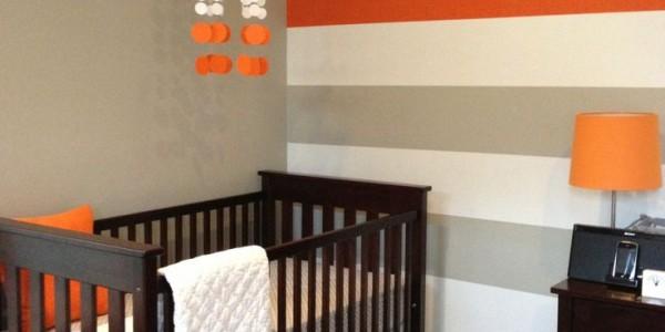 Decoración del dormitorio del bebé con franjas