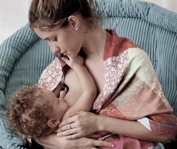 Consejos: ¿Cómo dar el pecho a mi bebé?