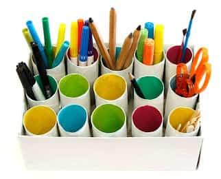 Manualidad infantil: Cómo hacer un organizador con tubos de cartón
