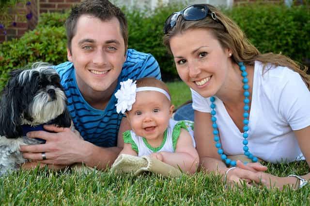 familia feliz mama papa bebe