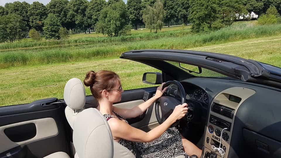 madre conduciendo