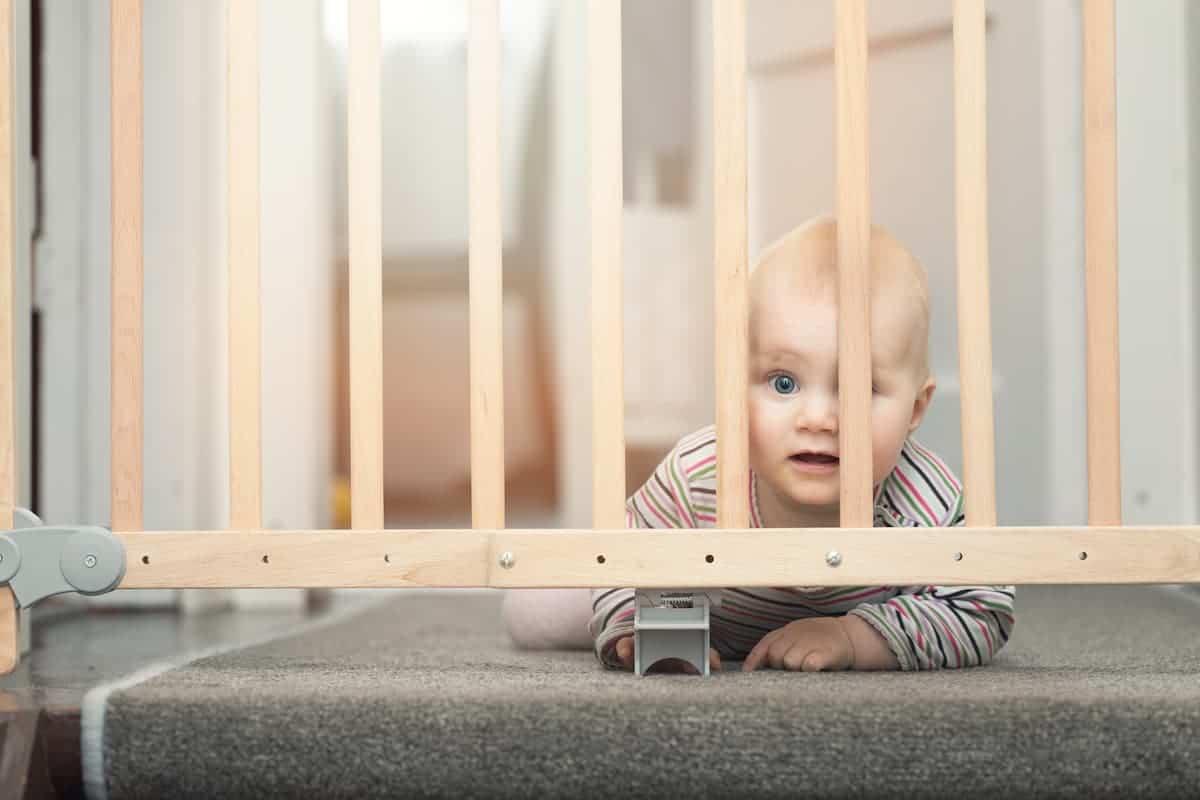 seguridad barrera infantil hogar