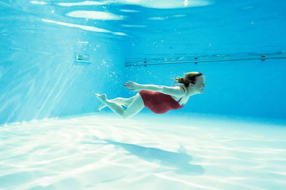 natación durante el embarazo