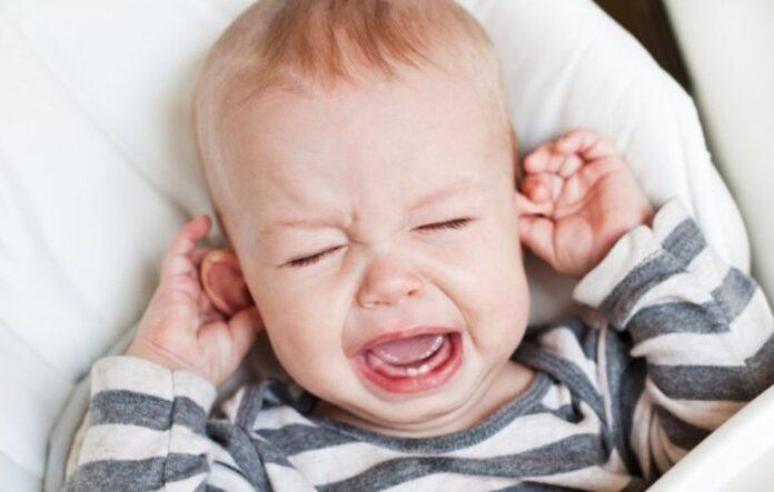 depositphotos 34801455 stock photo cute little boy crying holding