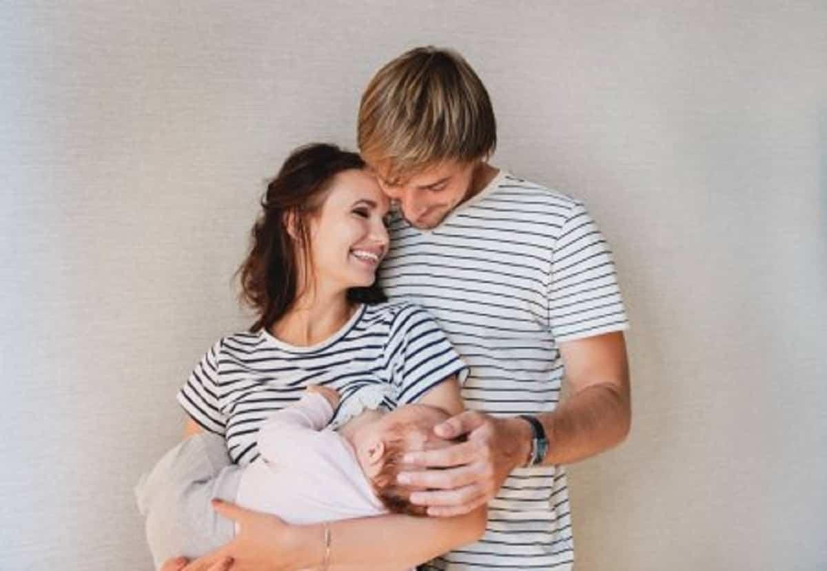 depositphotos 140035130 stock photo happy family portrait parents