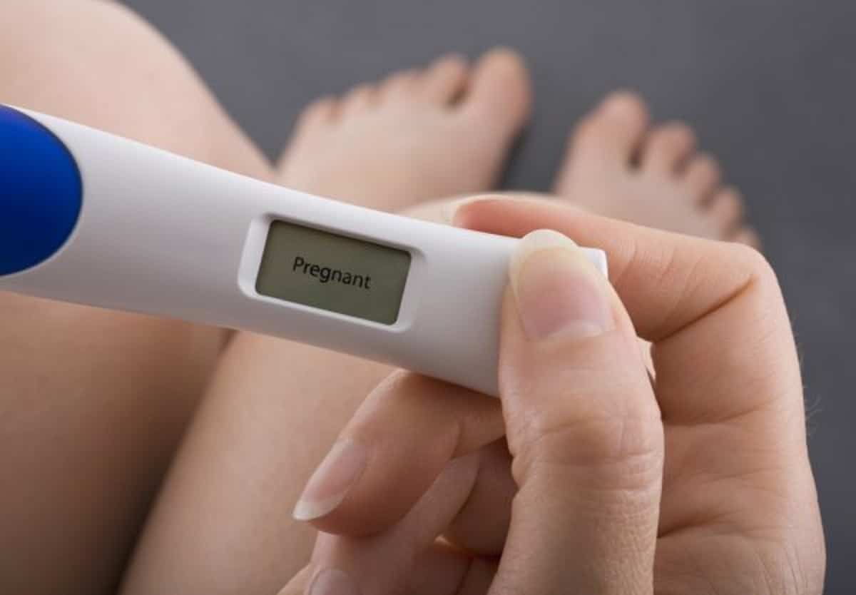depositphotos 24541431 stock photo pregnancy test