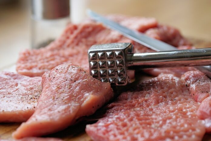 meat hammer 2238538 960 720