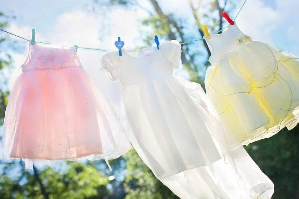 Dejar secar al sol la ropita del bebé es más saludable y elimina las bacterias
