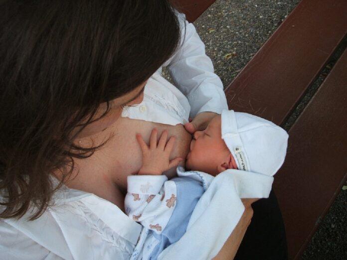 breastfeeding 2090396 960 720