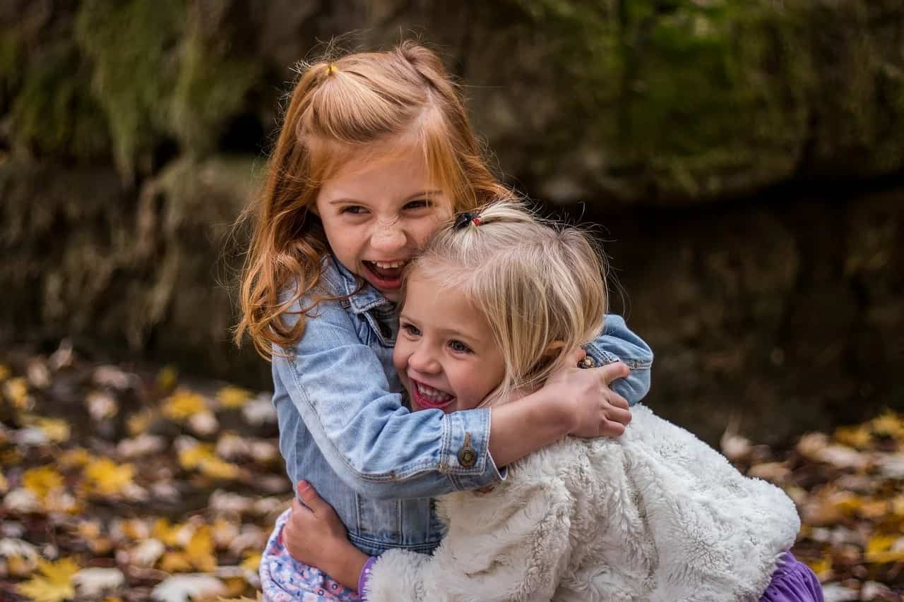 Abrazos: 7 beneficios para el buen desarrollo de los niños
