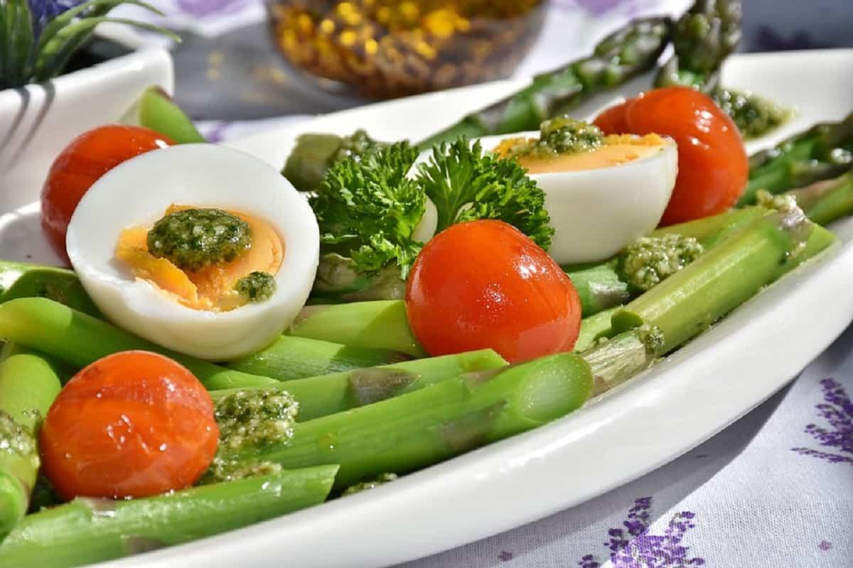 Agregar el consumo de huevos en la dieta vegetariana es fundamental para obtener vitamina B12.