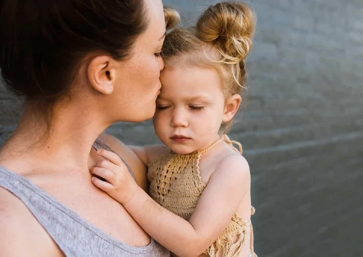 La madre soltera crea un vínculo muy fuerte con los hijos.