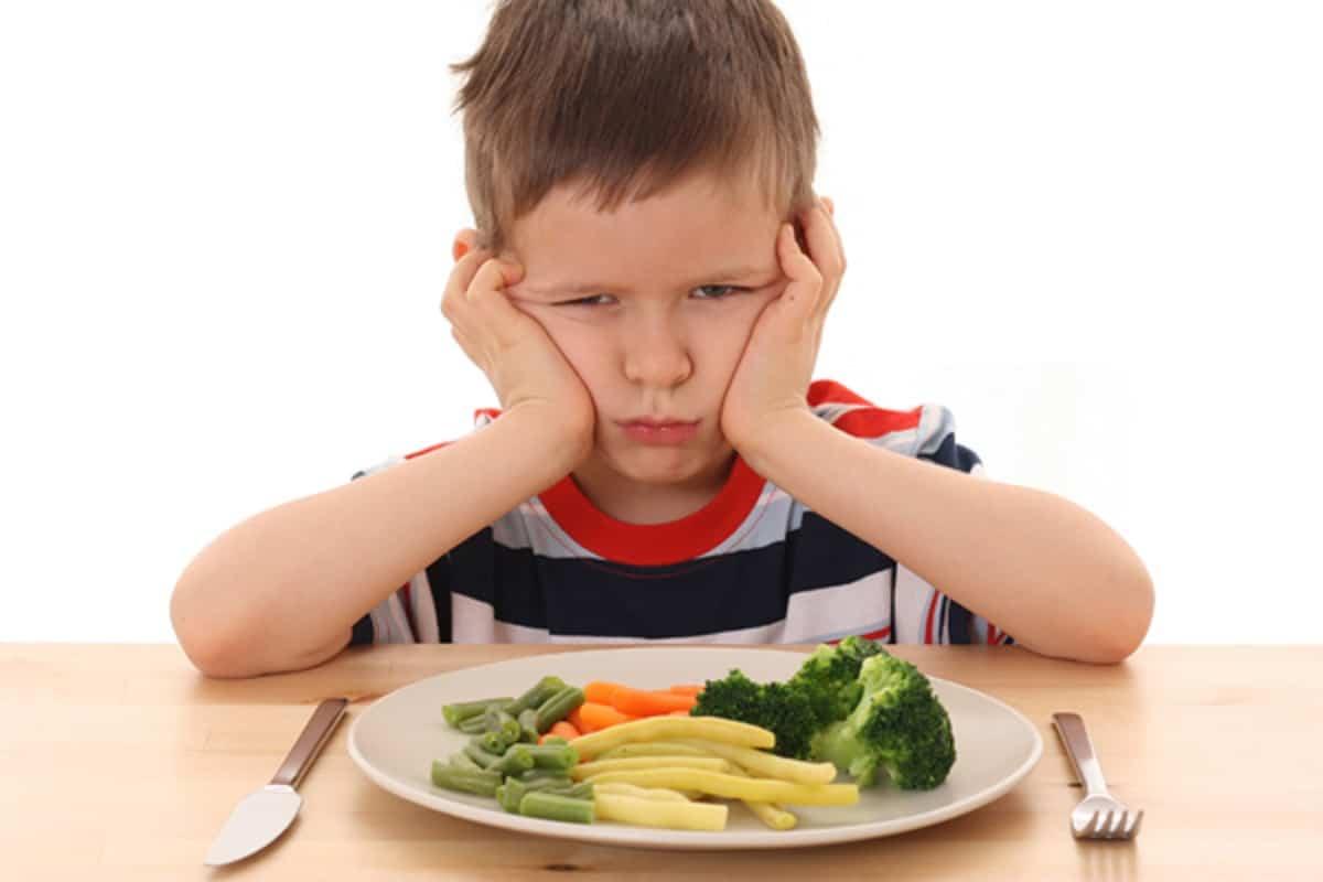 Neofobia alimentaria infantil: concepto y consejos para los padres