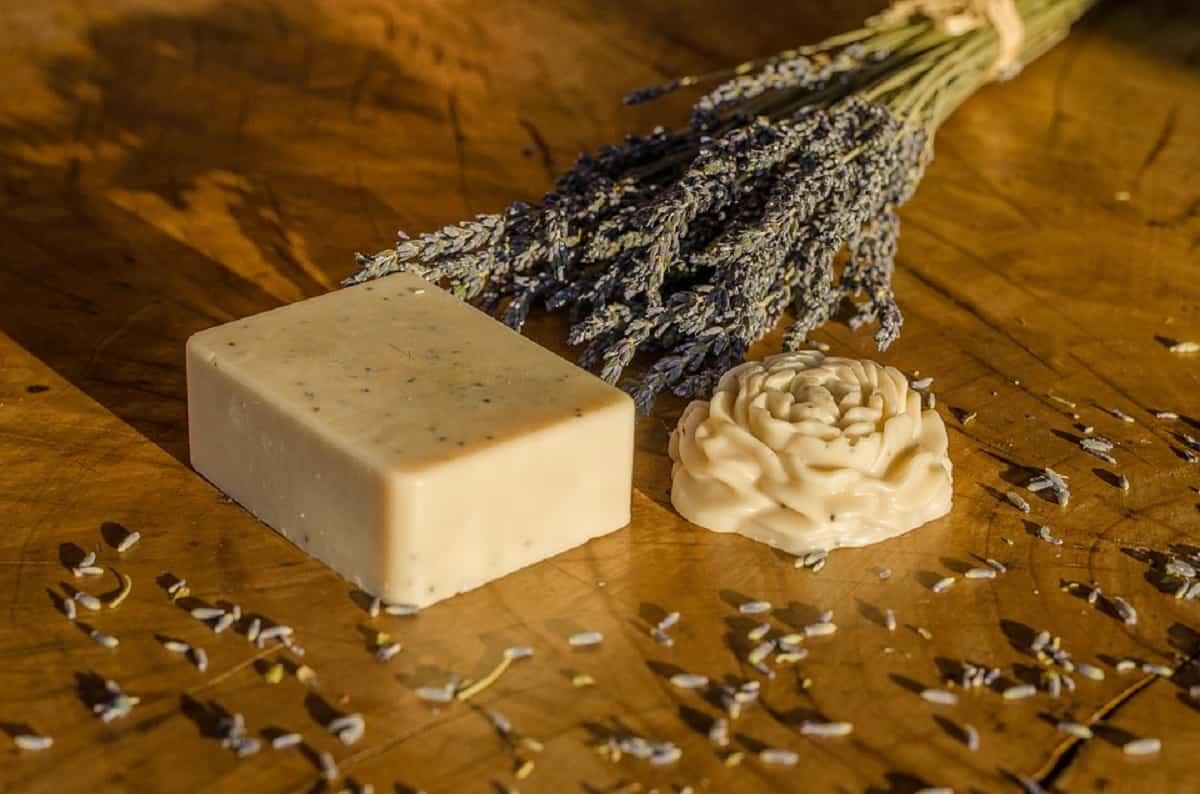 Los jabones de glicerina sin perfumes son ideales para la higiene íntima.